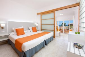 Chatur Playa Real hotel room