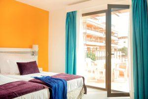 Coral Los Alisios hotel room