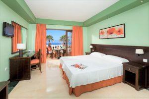 Grand Hotel Callao room