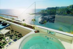H10 Atlantic Sunset private jacuzzi