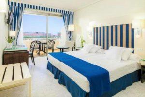 H10 Las Palmeras hotel room
