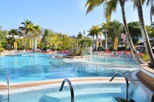 Park Club Europe swimming pool
