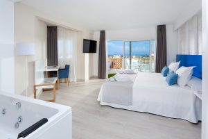 PlayaOlid All Inclusive room with jacuzzi