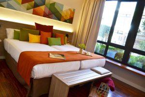 Hotel Escuela Santa Cruz room